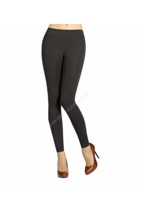 Pantalón de pitillo con efecto PUSH-UP ideal para el uso diario.