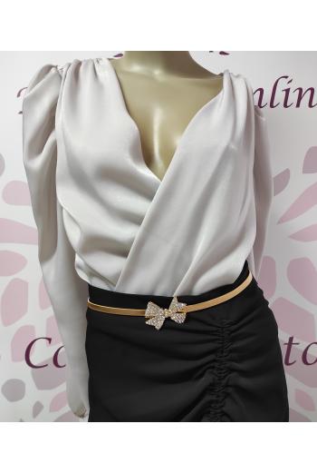 Elegante cinturon elastico ajustable con detalle lazo brillante